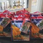 Kerstpakketten van ELF rondbrengen in december 2020